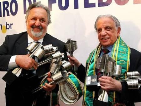Luis Álvaro, e Palaia cobertos de medalhas: show desnecessário